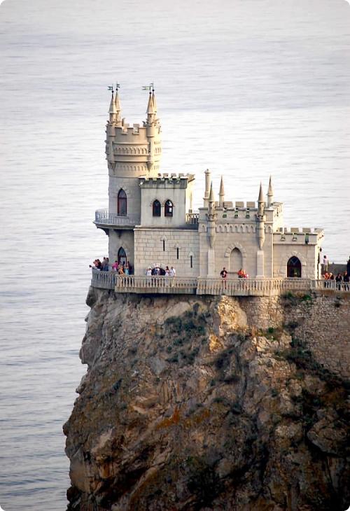 Достопримечательности крыма: В Крыму- теплое море, поистине яркое солнце, удивительная красота природы.