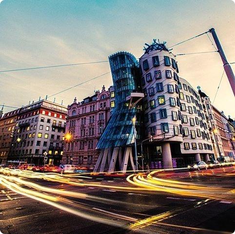 Чехия: Танцующий дом в Праге